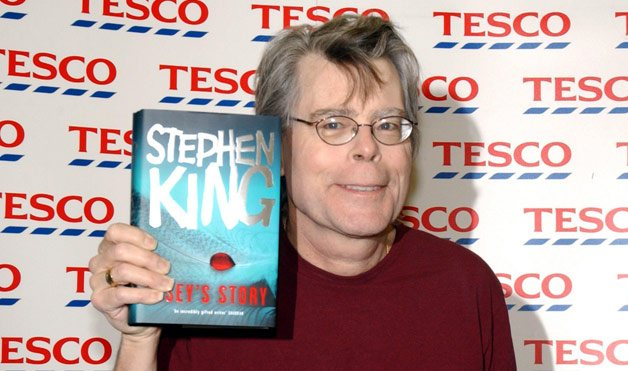 01-Stephen-King-Rags-to-Riches-Celebs-1